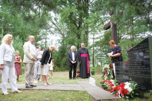 oddano hołd rodakom na cmentarzu w macikach